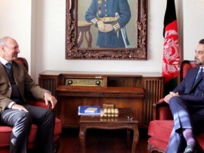 دیدار معین سیاسی وزارت امور خارجه با فرستاده ویژه ی اتحادیه اروپا برای افغانستان