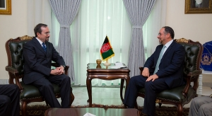 Foreign Minister Meets U.S Ambassador to Kabul